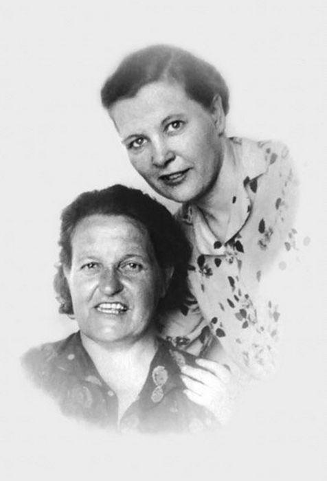 Екатерина Фурцева с мамой. / Фото: www.fotoload.ru