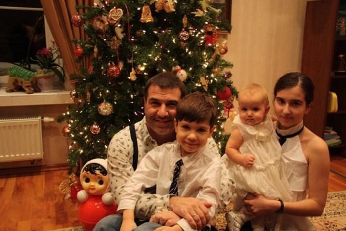 Евгений Гришковец в кругу семьи. / Фото: www.kp.ru