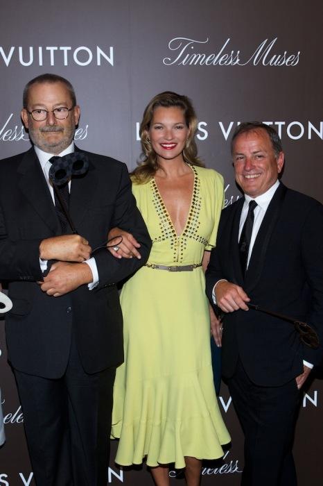 Патрик-Луи Виттон, Кейт Мосс и Майкл Берк. Открытие выставки Louis Vuitton «Timeless Muses» в Токио. / Фото: www.buro247.ru