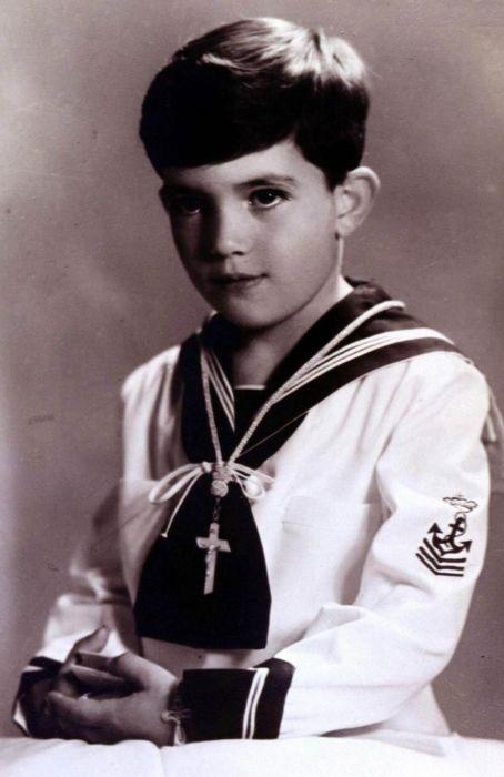 Антонио Бандерас в детстве. / Фото: www.nigiwasu.com