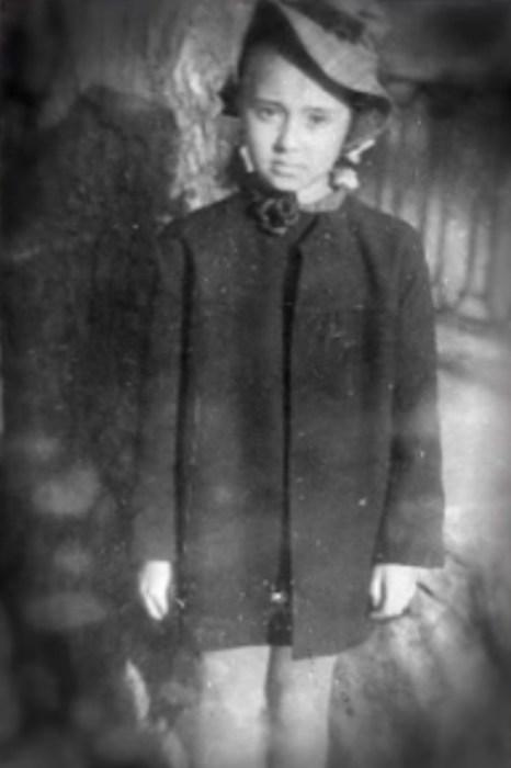 Лёка Миронова в детстве. / Фото: www.tvc.ru