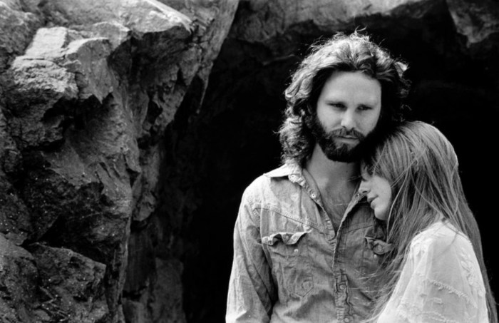 Джим Моррисон и Памела Курсон. / Фото: www.rock-cafe.info