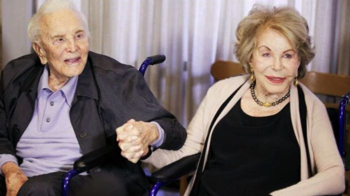 Кирк Дуглас и Энн Байденс. / Фото: www.lastampa.it