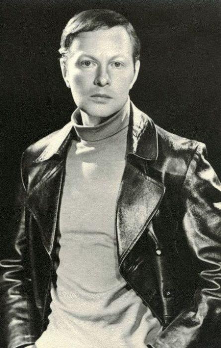 Альберт Филозов в молодости. / Фото: www.bdbphotos.com