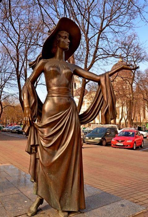 Памятник Вере Холодной. / Фото: www.myod.info