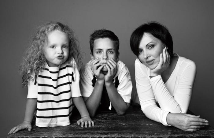 Елена Ксенофонтова с детьми. / Фото: www.fashionrm.ru