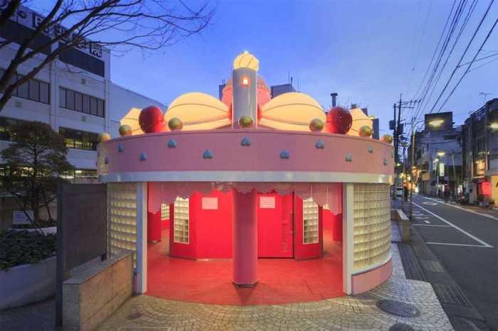 Общественный туалет в Японии. / Фото: www.deadbees.net