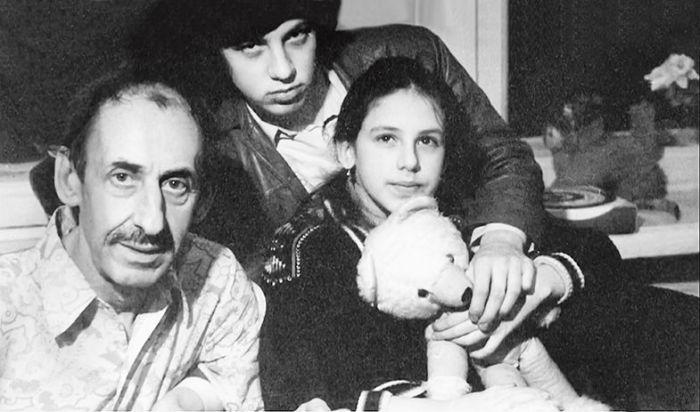 Владимир Басов с сыном и дочерью. / Фото: www.muzh-zhena.ru