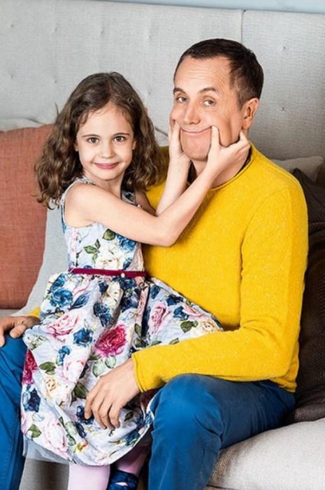 Андрей Соколов с дочерью. / Фото: www.ego-zhena.ru