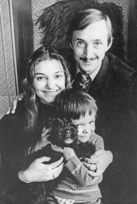 Наталья Бондарчук и Николай Бурляев с сыном Ваней. / Фото: www.topnews.ru