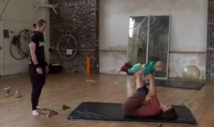 Чанти и Джейк воспитывают своего ребёнка гендерно-нейтральным. / Фото: www.1tv.ru