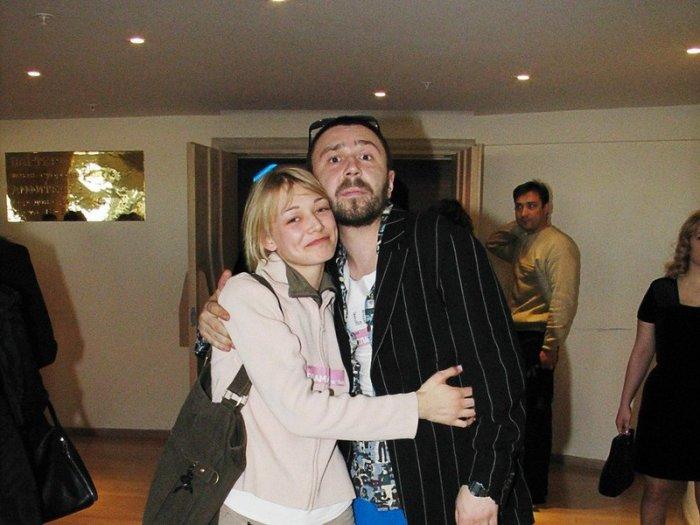 Сергей Шнуров и Оксана Акиньшина. / Фото: www.twimg.com