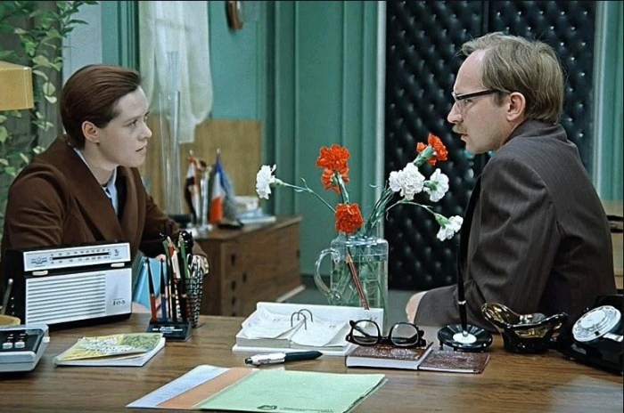 Кадр из фильма «Служебный роман». / Фото: www.yandex.net