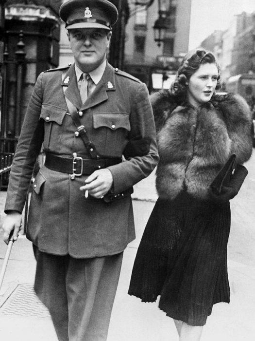 Памела Гарриман и Рэндольф Черчилль. / Фото: www.polityka.pl