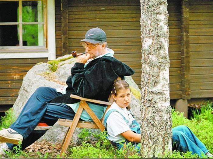 Александр Ширвиндт с внучкой Александрой. / Фото: www.sobesednik.ru