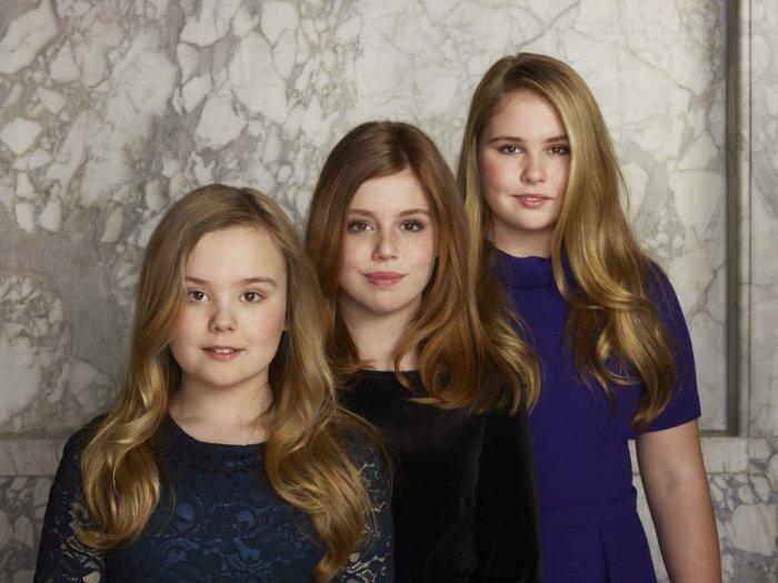 Принцессы Катарина-Амалия, Алексия и Ариана, Нидерланды. / Фото: www.twimg.com