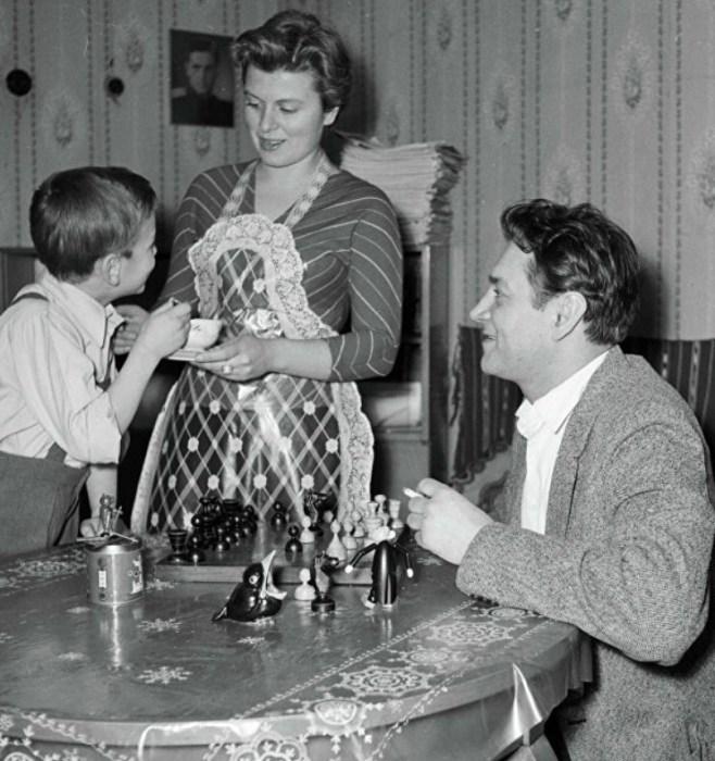 Владлен Давыдов и Маргарита Анастасьева с сыном. / Фото: www.ria.ru