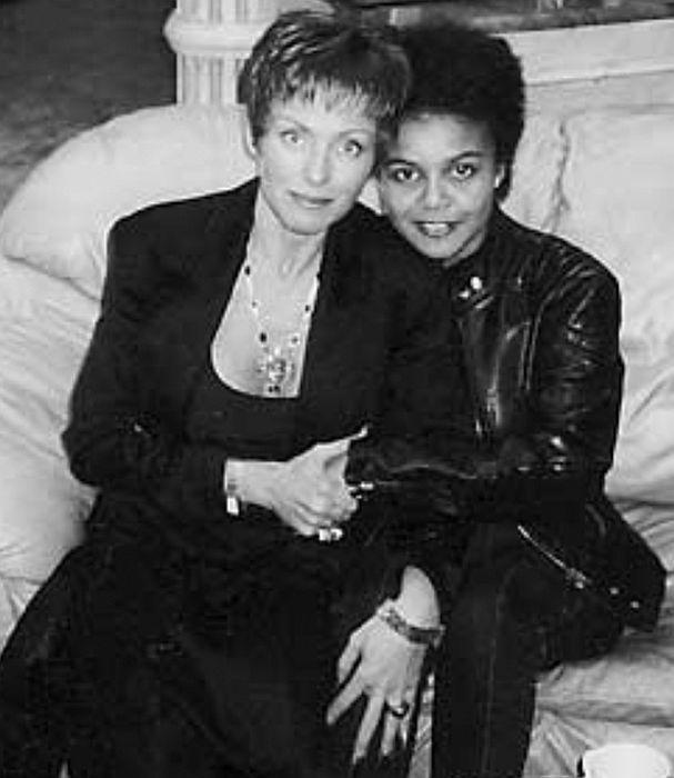 Ирина Понаровская и Анастасия Кормышева. / Фото: www.jordin.ru