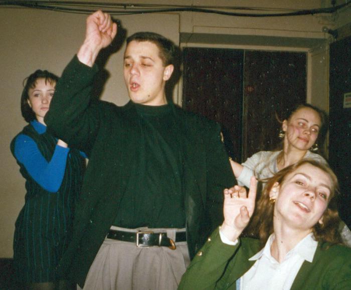 Алексей Макаров в юности. / Фото: www.Svadba1000.ru