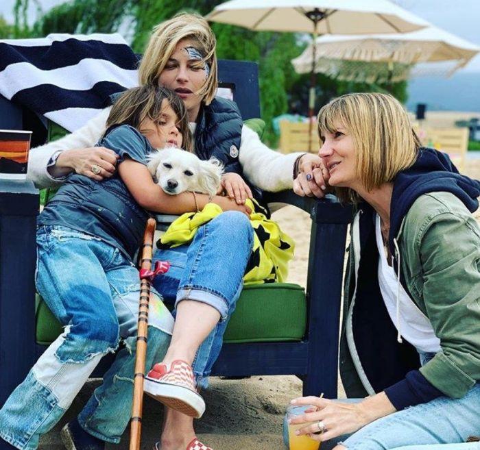 Сельма Блэр с сыном и подругой, актрисой Керри Кенни-Сильвер. / Фото: www.instagram.com/selmablair
