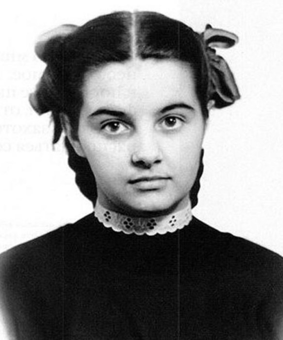Валентина Шарыкина в детстве. / Фото: www.stuki-druki.com