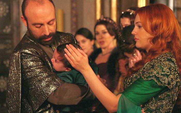 Кадр из сериала «Великолепный век». / Фото: www.funart.pro