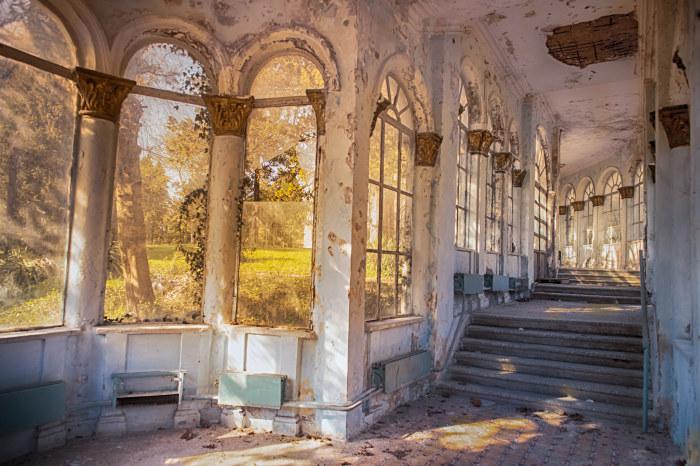 Заброшенный советский санаторий в Цхалтубо, Грузия. / Фото: www.ladentdeloeil.net