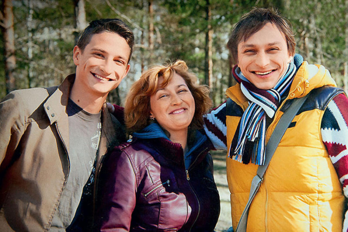 Наталья Иосифова с сыновьями Андреем и Антоном. / Фото: www.7days.ru