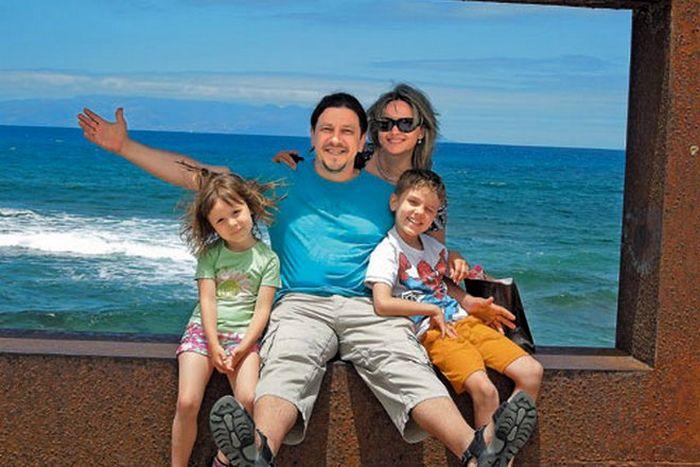 Сергей Дубровин и Ирина Вальтер с детьми. / Фото: www.shoke.ru