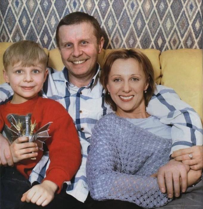 Елена Яковлева с мужем и сыном. / Фото: www.yandex.net