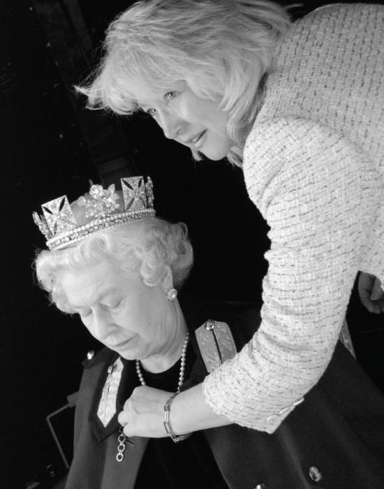 Елизавета II и Анджела Келли. / Фото: www.pinimg.com
