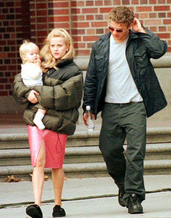 Риз Уизерспун и Райан Филипп с дочерью Авой. / Фото: www.womanadvice.ru