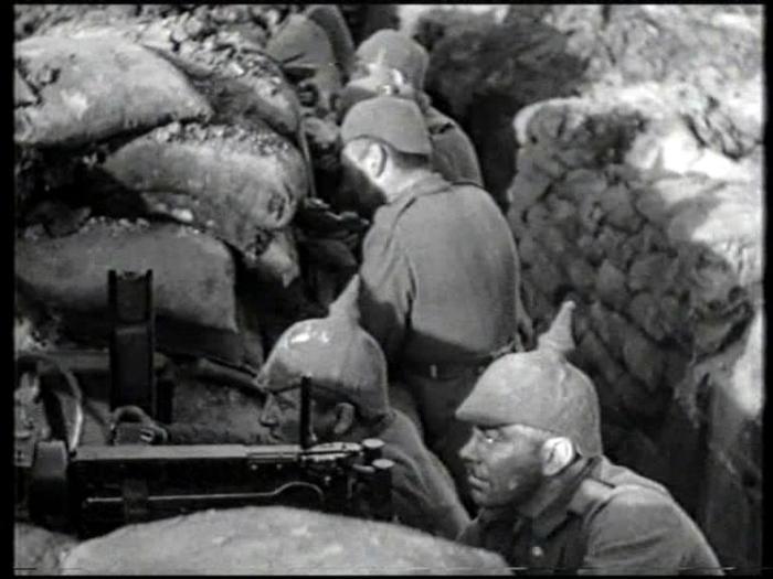 Кадр из фильма «На Западном фронте без перемен». / Фото: www.popgun.ru