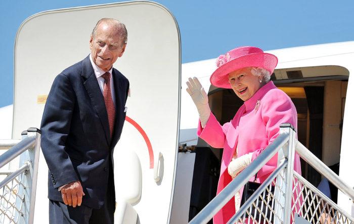 Елизавета II с супругом. / Фото: www.tatler.ru