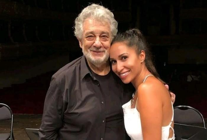 Пласидо Доминго и Светлана Хасьян, которая не верит, что певец мог кого-то принуждать к связи. / Фото: www.kp.kz