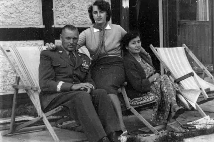 Константин Рокоссовский с женой и дочерью. / Фото: www.rg.ru