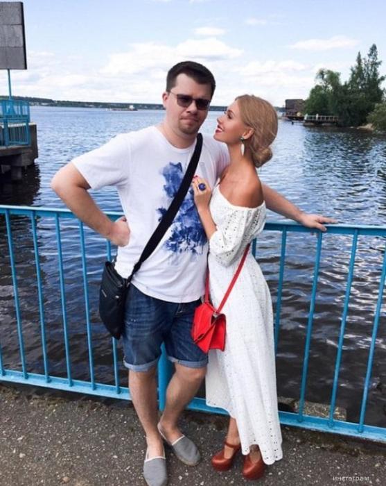 Кристина Асмус и Гарик Харламов. / Фото: www.z-aya.ru