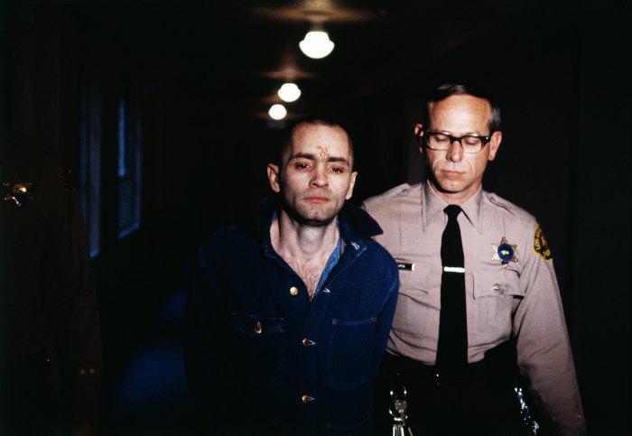 Мэнсон во время слушания в суде заявил: он ни о чём не жалеет. / Фото: www.esquire.ru