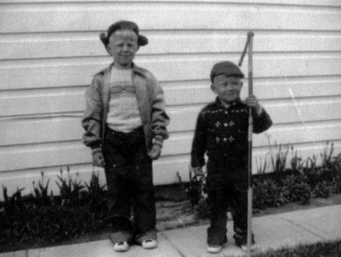 Джон Кэнди (справа) со старшим братом. / Фото: www.24smi.org