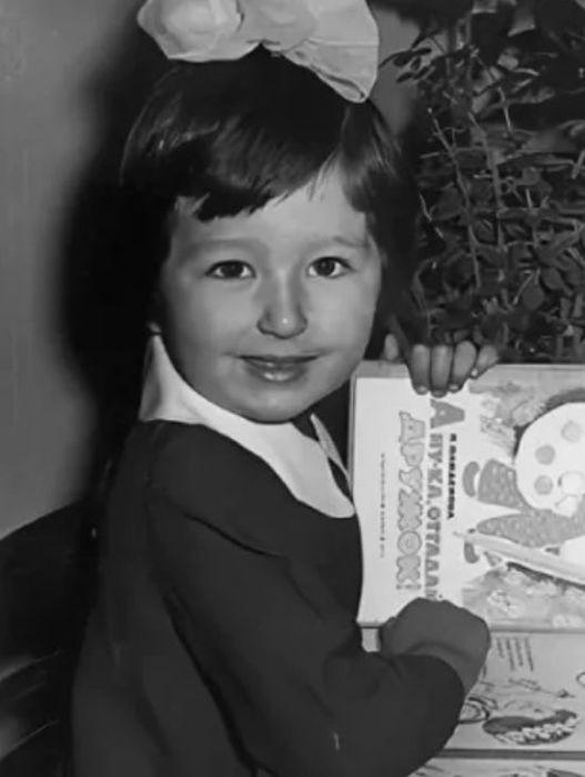 Татьяна Куралесина в детстве. / Фото: www.mycdn.me