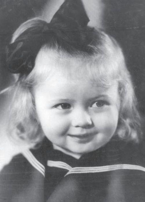 Наталья Гундарева в детстве. / Фото: www.onedio.ru