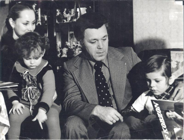 Иосиф и Нелли Кобзон с детьми. / Фото: www.games-of-thrones.ru