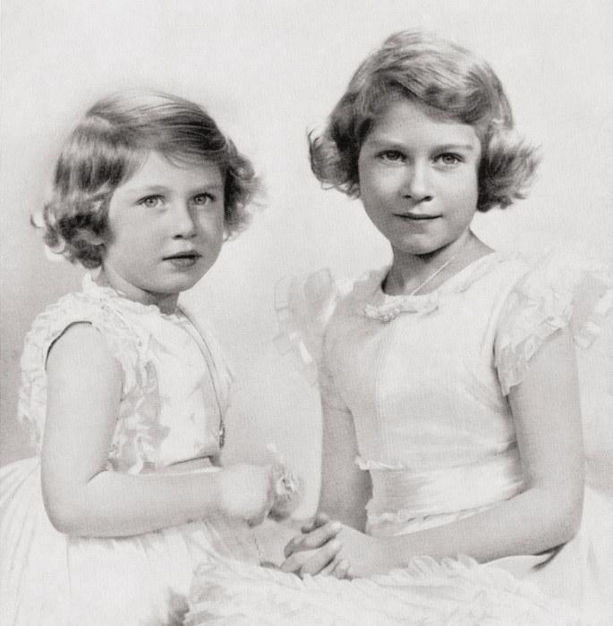 Принцессы Елизавета и Маргарет в детстве. / Фото: www.pinimg.com