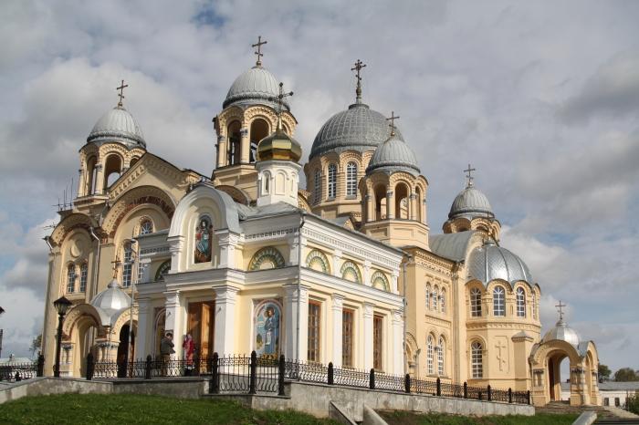 Крестовоздвиженский собор. / Фото: www.goodfon.ru