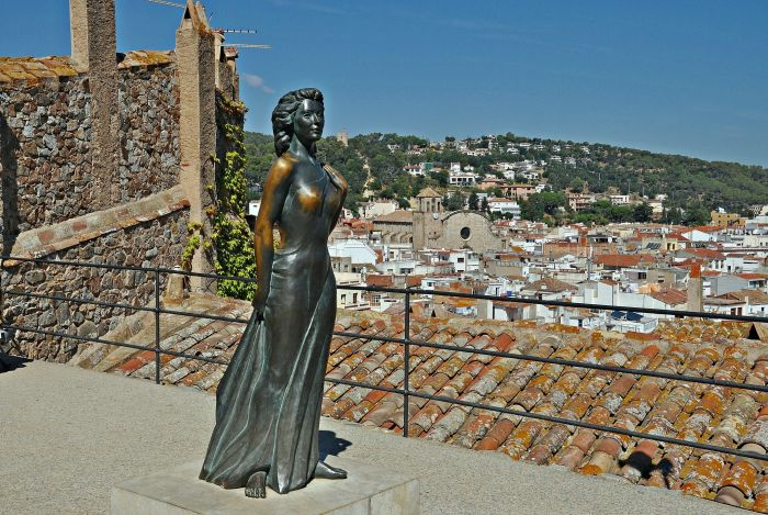 Памятник Аве Гарднер. / Фото: www.wikimedia.org