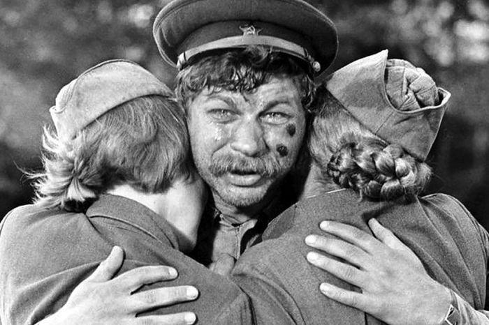 Кадр из фильма «…А зори здесь тихие». / Фото: www.mtdata.ru