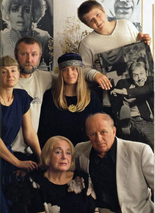 Лев Дуров в кругу семьи. / Фото: www.vm.ru