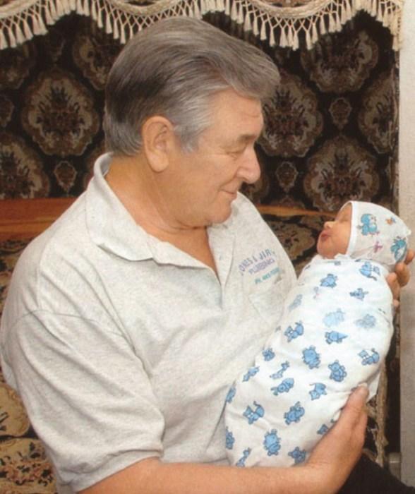 Александр Белявский с дочерью. / Фото: www.allstars.pp.ru