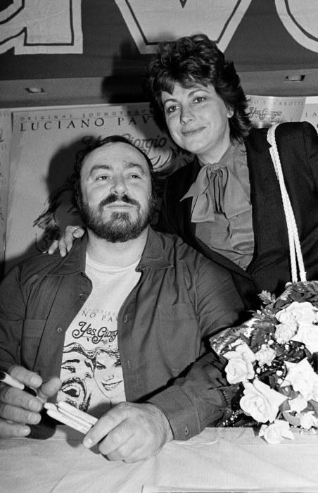 Лучано Паваротти и Адуа Верони. / Фото: www.ggpht.com