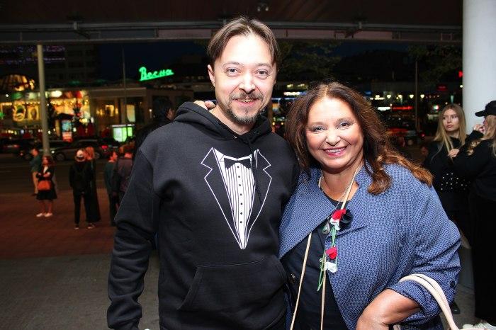 Иван Бурляев с мамой. / Фото: www.userapi.com